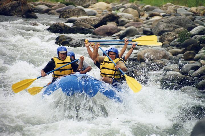 El rafting descenso en ríos o rafting