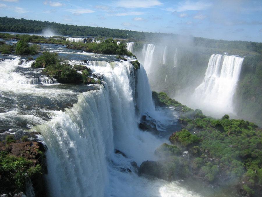 Las cataratas de Iguazú arrojan el mayor caudal de su historia Playas en el mundo