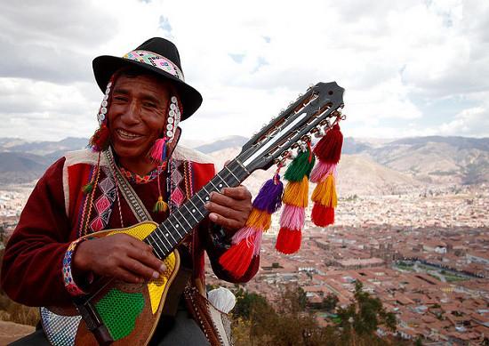 Un viaje por Sudamérica a través de sus instrumentos musicales Playas del mundo