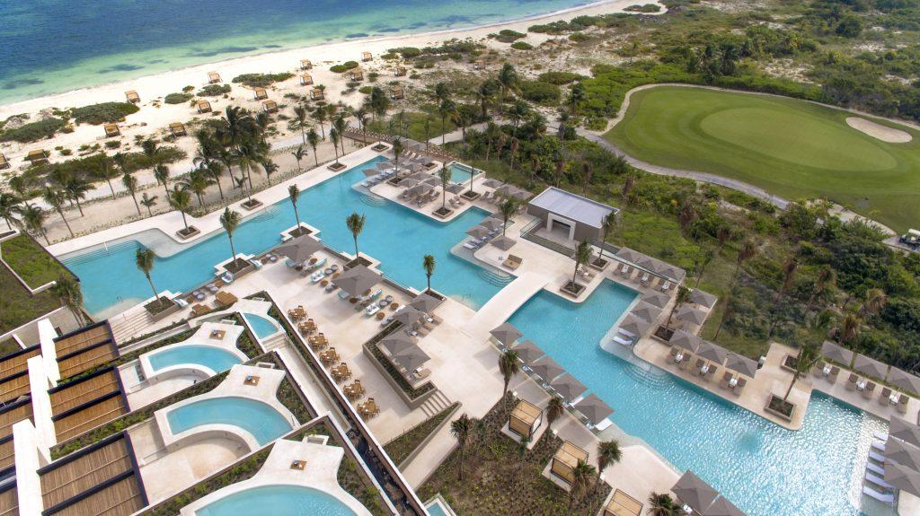 �?LEO Cancún Playa, la mejor playa en Cancún
